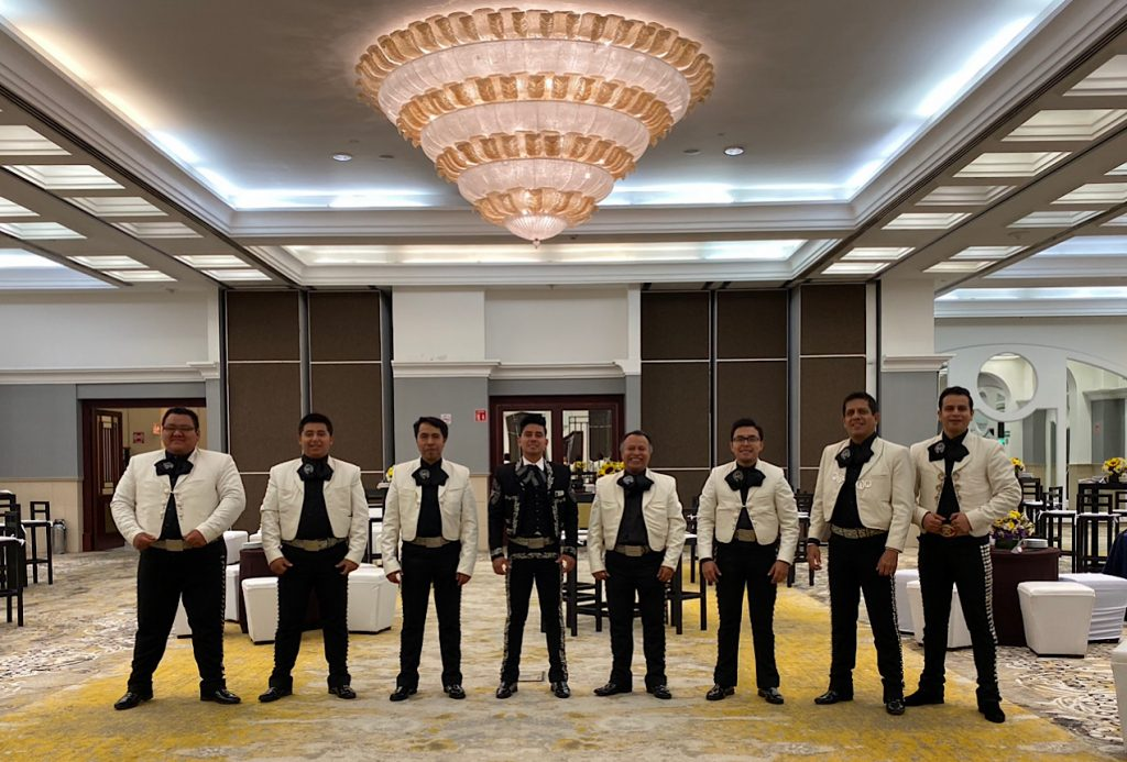 Mariachis a meses sin intereses